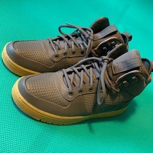 Euc Nike high tops